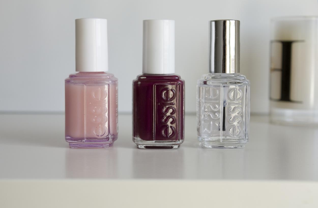 Essie manicure
