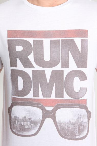 Run_Dmc_Tshirt_Urban_Outfitters