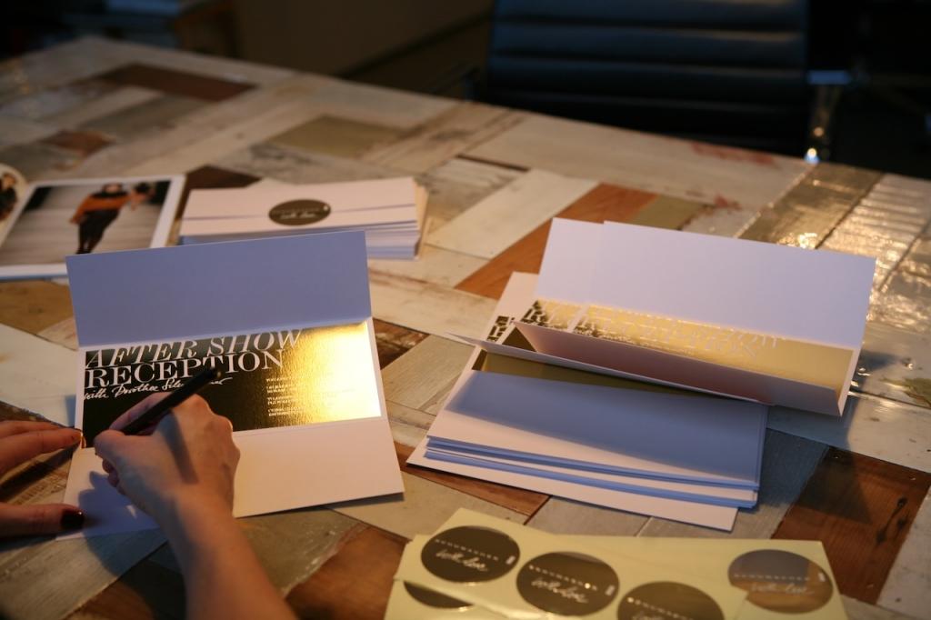 7 Shiny invitations