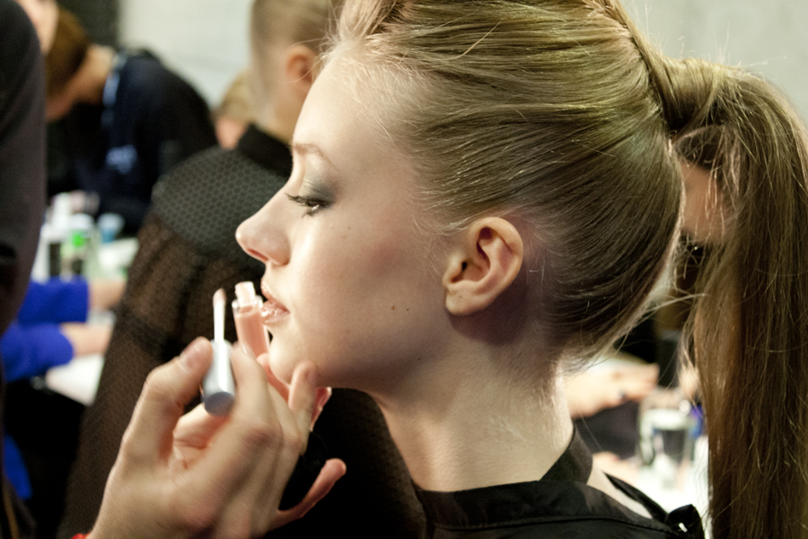 Step 12 - Lipgloss