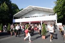 Jules Mumm lädt dich und deine beste Freundin zur Mercedes-Benz Fashion Week Berlin ein!