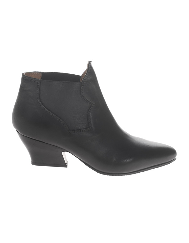 Journelles_Schuhtrends_2013_Acne_Alma_Boots