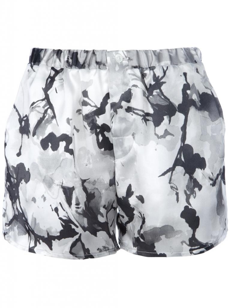 Shorts von Pierre Balmain