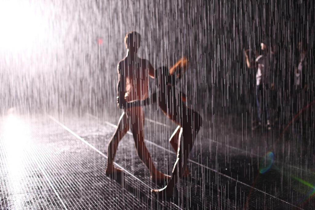 newyork_moma_rainroom4