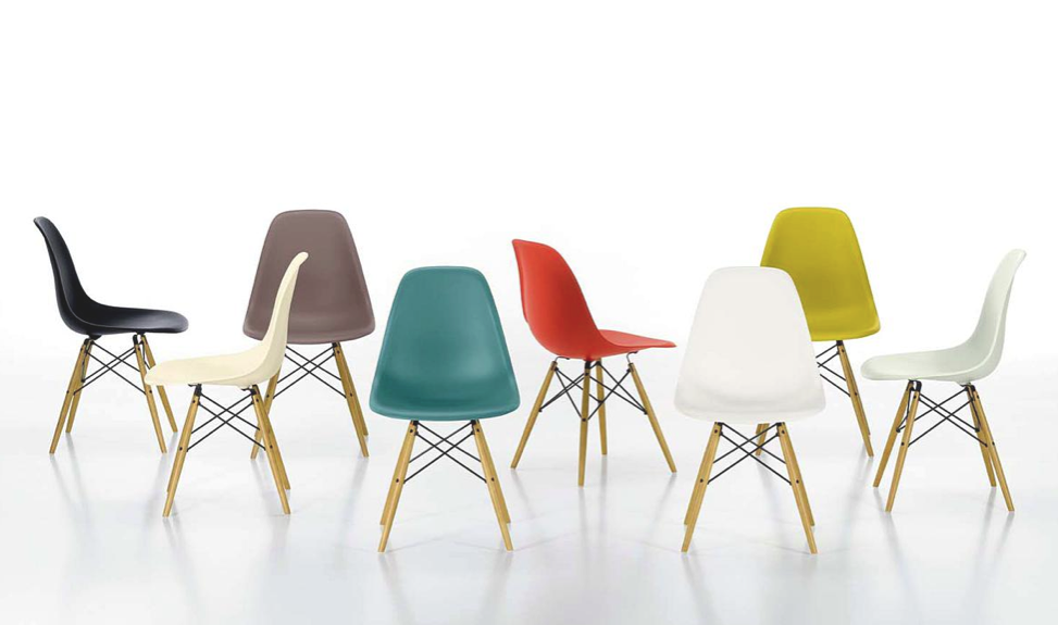 GroB Journelles Eames Plastic Side Chair 9