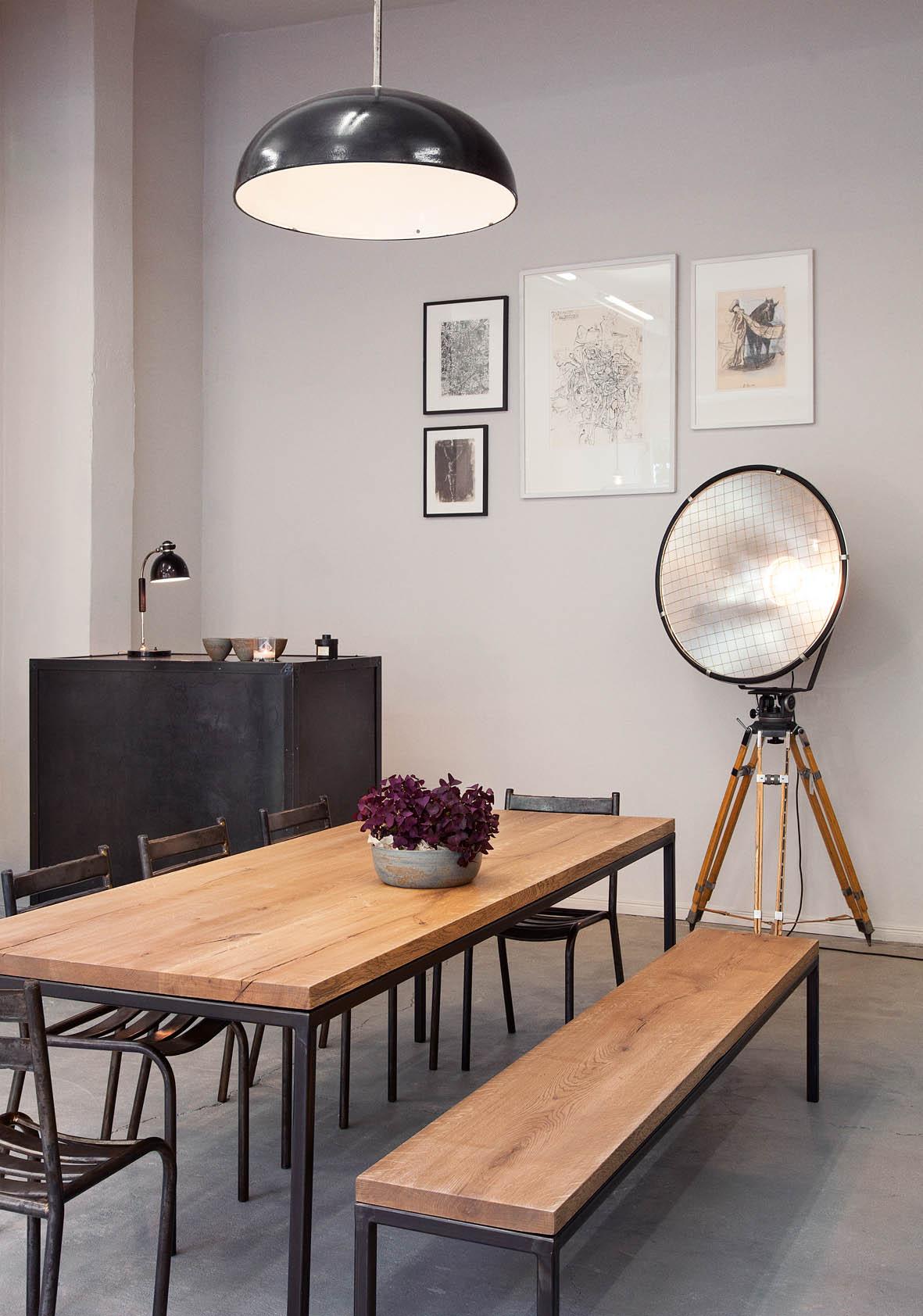journelles maison gro e sch ne esstische aus massivholz von objets trouv s e15 co journelles. Black Bedroom Furniture Sets. Home Design Ideas