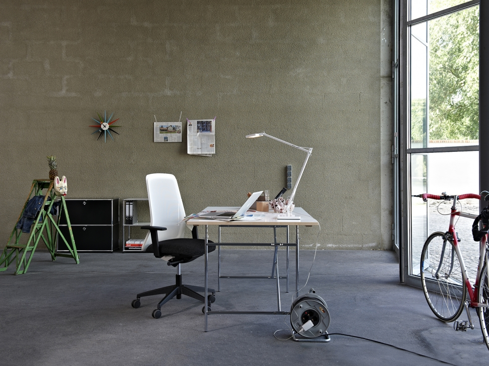 journelles maison designklassiker der eiermann tisch. Black Bedroom Furniture Sets. Home Design Ideas