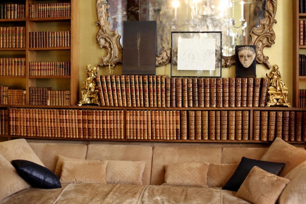 chanel discovery trip im apartment von coco chanel. Black Bedroom Furniture Sets. Home Design Ideas