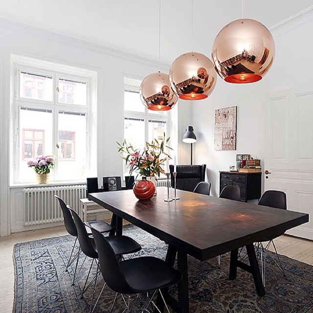 inspiration des tages copper shade pendant von tom dixon journelles. Black Bedroom Furniture Sets. Home Design Ideas