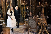 Chanel Métiers d'Art Paris-Salzburg Lookbook. (Fotos: Karl Lagerfeld)