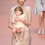 "Dolce & Gabbana ""Viva la Mamma"" AW15 - Bild: Getty Images (14)"