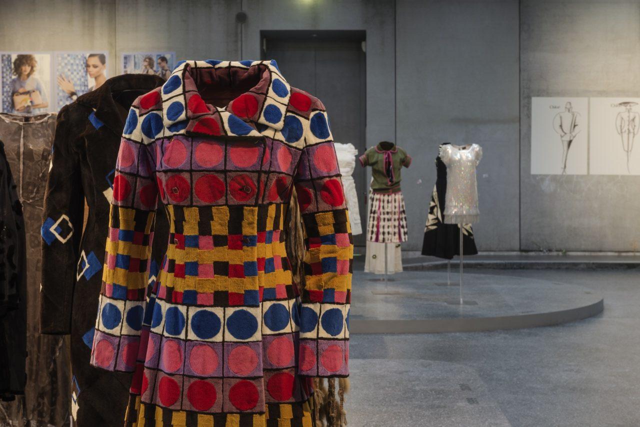 Journelles-Karl-Lagerfeld-Modemethode-Fendi-Ausstellung-2