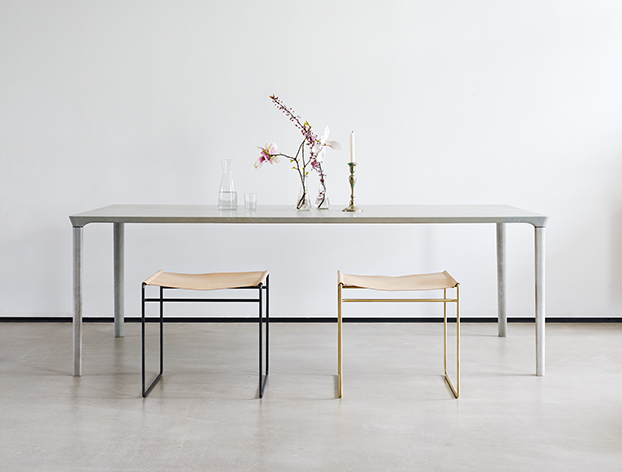 journelles_nina_mair_concret_table_1