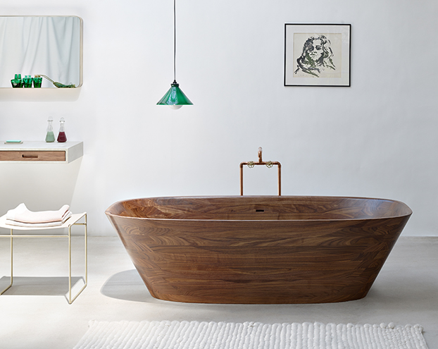 journelles_nina_mair_shell_wooden_bathtub