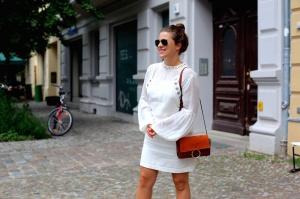 outfit_journelles_latzkleid_hm