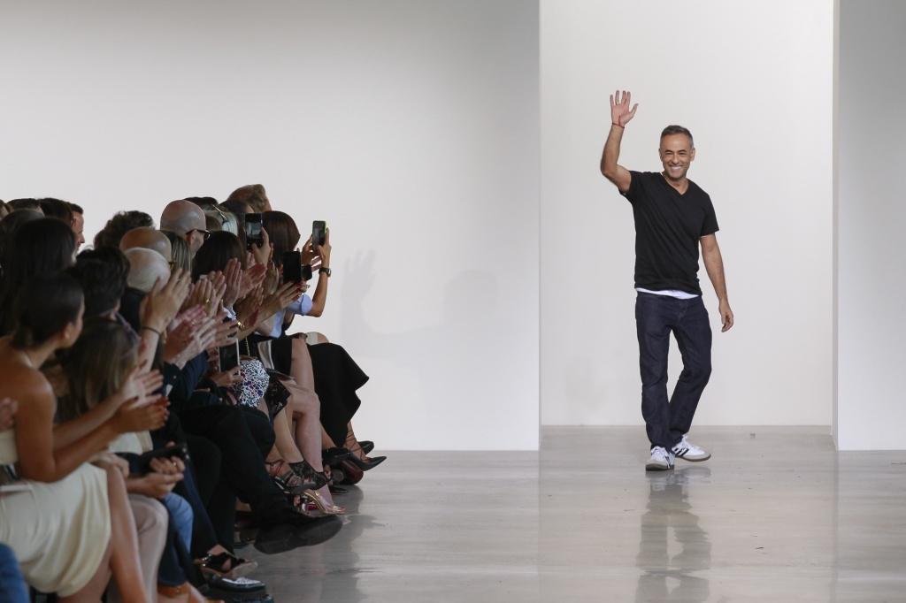 Journelles-New-York-Fashion-Week-Calvin-Klein-Collection-Spring-Summer-2016-41