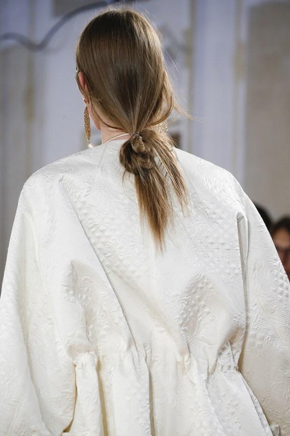 Journelles-Beautytrends-Spring-Summer-2016-Vogue-co-uk-Balenciaga-Veneta-1