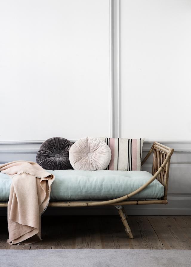 journelles wohn deko stories maerz french by design 1. Black Bedroom Furniture Sets. Home Design Ideas