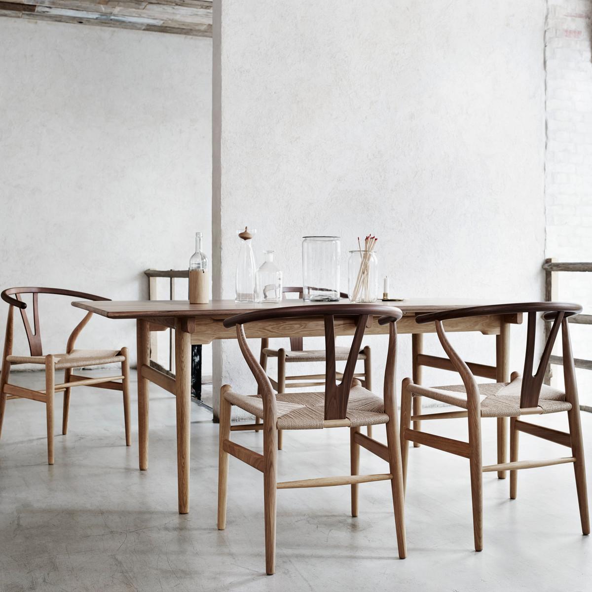 Journelles-Maison-Stylisten-Accessoires-Wishbone-Chair