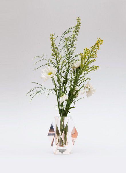 Journelles-NOMS-Regenbogen-Vase-1