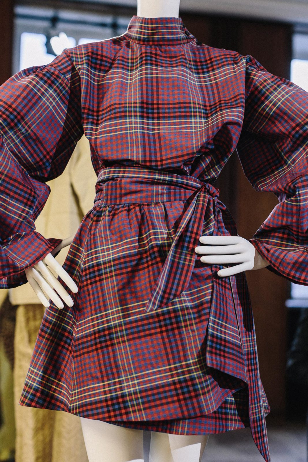 FäHig Escada Abendkleid Seide Orange One Shoulder 36 Kleid Neu Phantasie Farben Damenmode