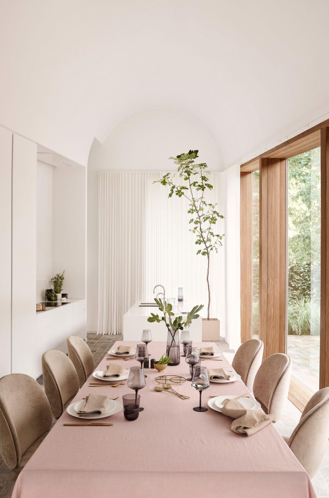Zartes Puderrosa, Art Déco und Strukturmix: H&M Home läutet diesen ...