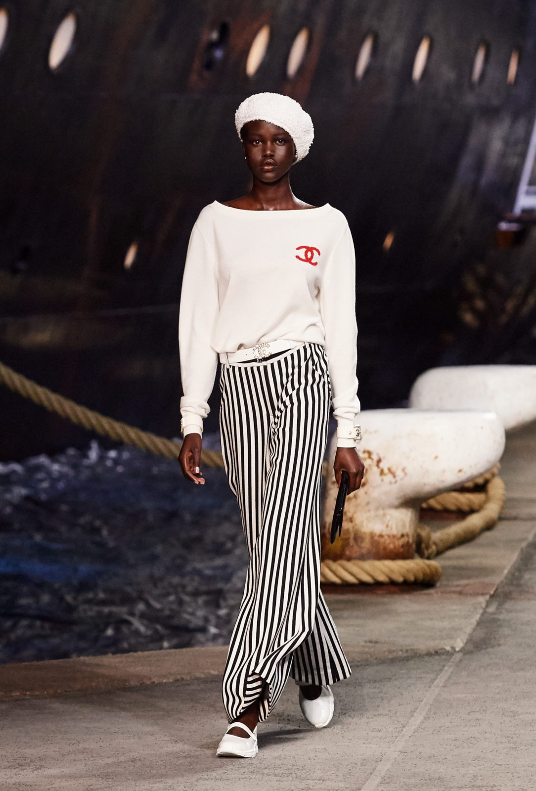 Chanel-Cruise-Collection-2018-2019-La-Pausa-7 - Journelles